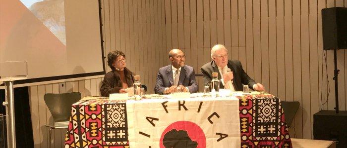 Comemorações dos 25 anos da Liáfrica e 44 anos da Independência de Angola assinalados na UCCLA