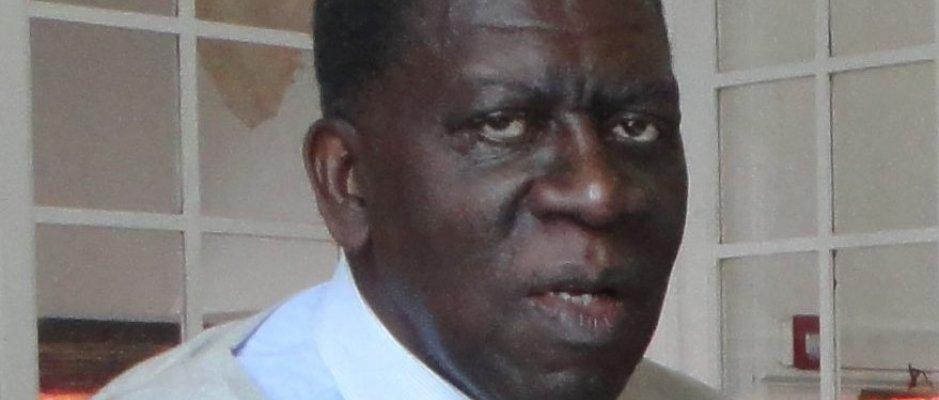 Encontro com antigo Embaixador de Angola