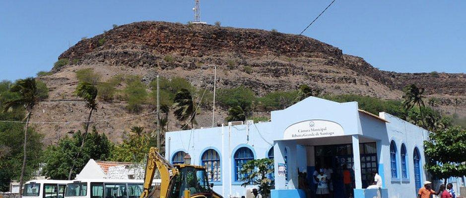 Populações em Cabo Verde ajudam a gerir transporte escolar