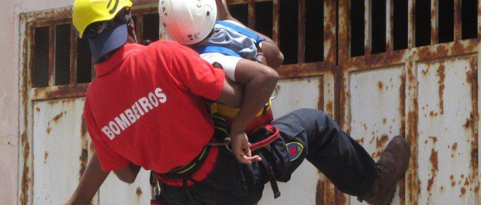 Sal ganha corporação de bombeiros