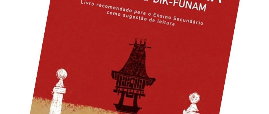 """Livro """"Crónica de Uma Travessia"""" de Luís Cardoso"""