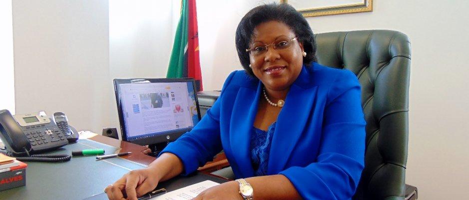 Saída da Embaixadora Fernanda Lichale