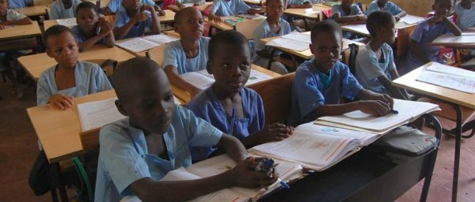 Construção de novas escolas em São Tomé