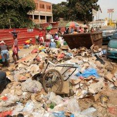 Cobrança da taxa de recolha do lixo em Luanda