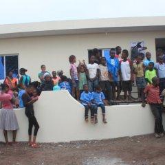 Inauguração do jardim infantil de Mancholy