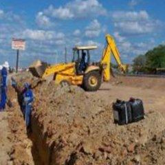 Obras de expansão da rede de esgotos na cidade do Mindelo
