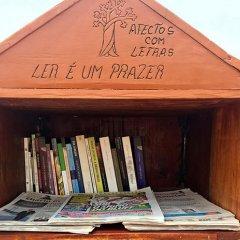 Oferta de publicações portuguesas em Bissau