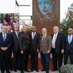 Inauguração da escultura de Alda Lara em Oeiras