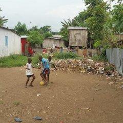 """Lançamento da campanha """"Operação Vassourada"""" para acabar com o lixo em São Tomé"""